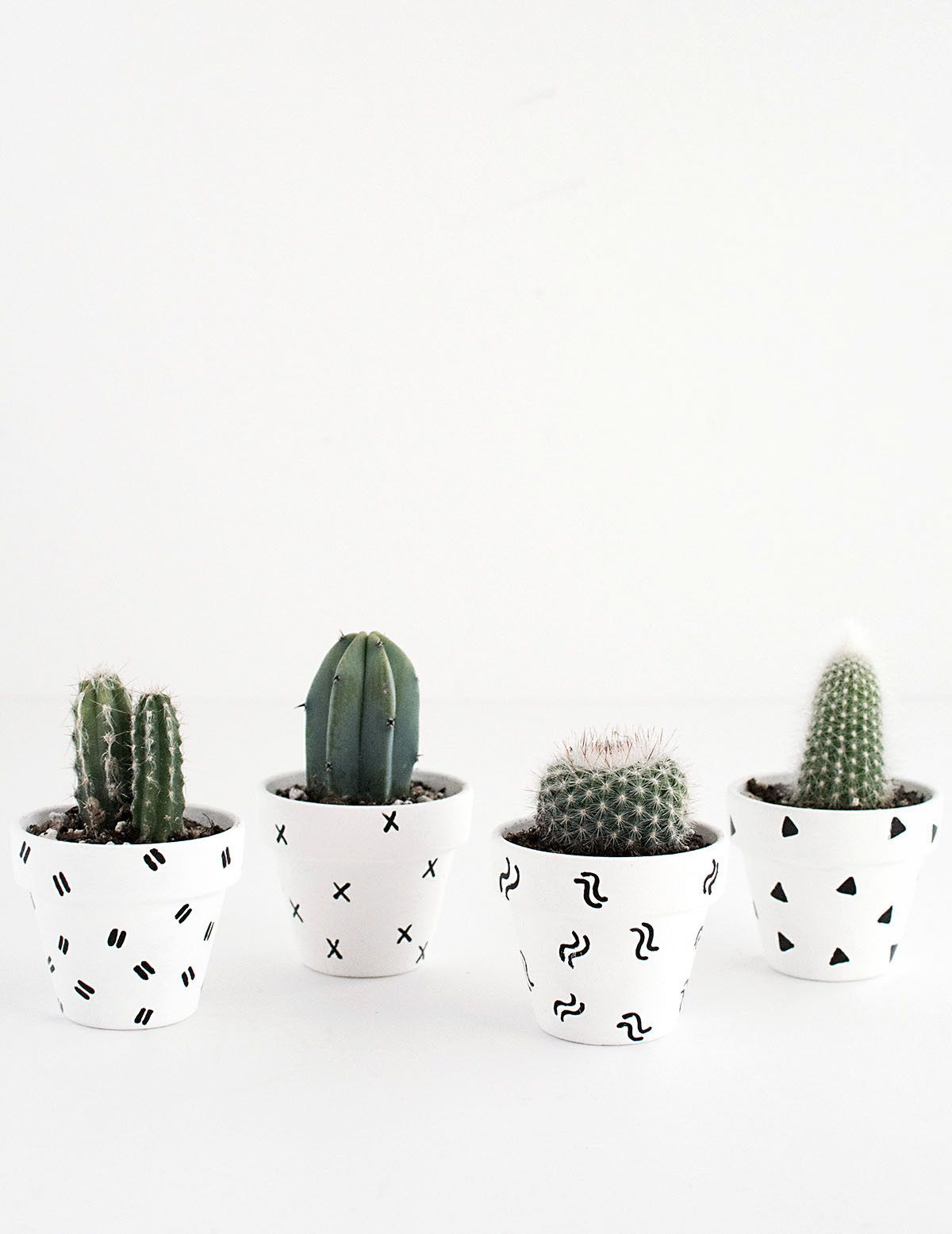 Top 30 stunning low budget diy garden pots and containers 187 home - Diy Mini Patterned Plant Pots
