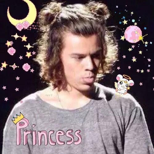 Pin By Imean On One Direction Reaction Memes In 2020 Harry Styles Smile Harry Styles Man Bun Harry Styles Hair