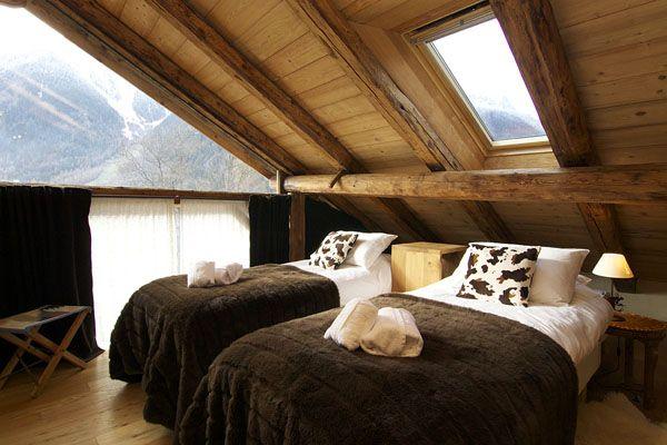 landschaft nachttische getrennte bett flauschig holzbalkendecke, Schlafzimmer entwurf