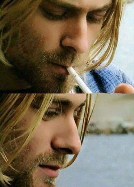 ♡♥Kurt Cobain 26 lights a smoke outside in Seattle on Aug 10th,1993 - click on pic to see a full screen pic in a better looking black background♥♡