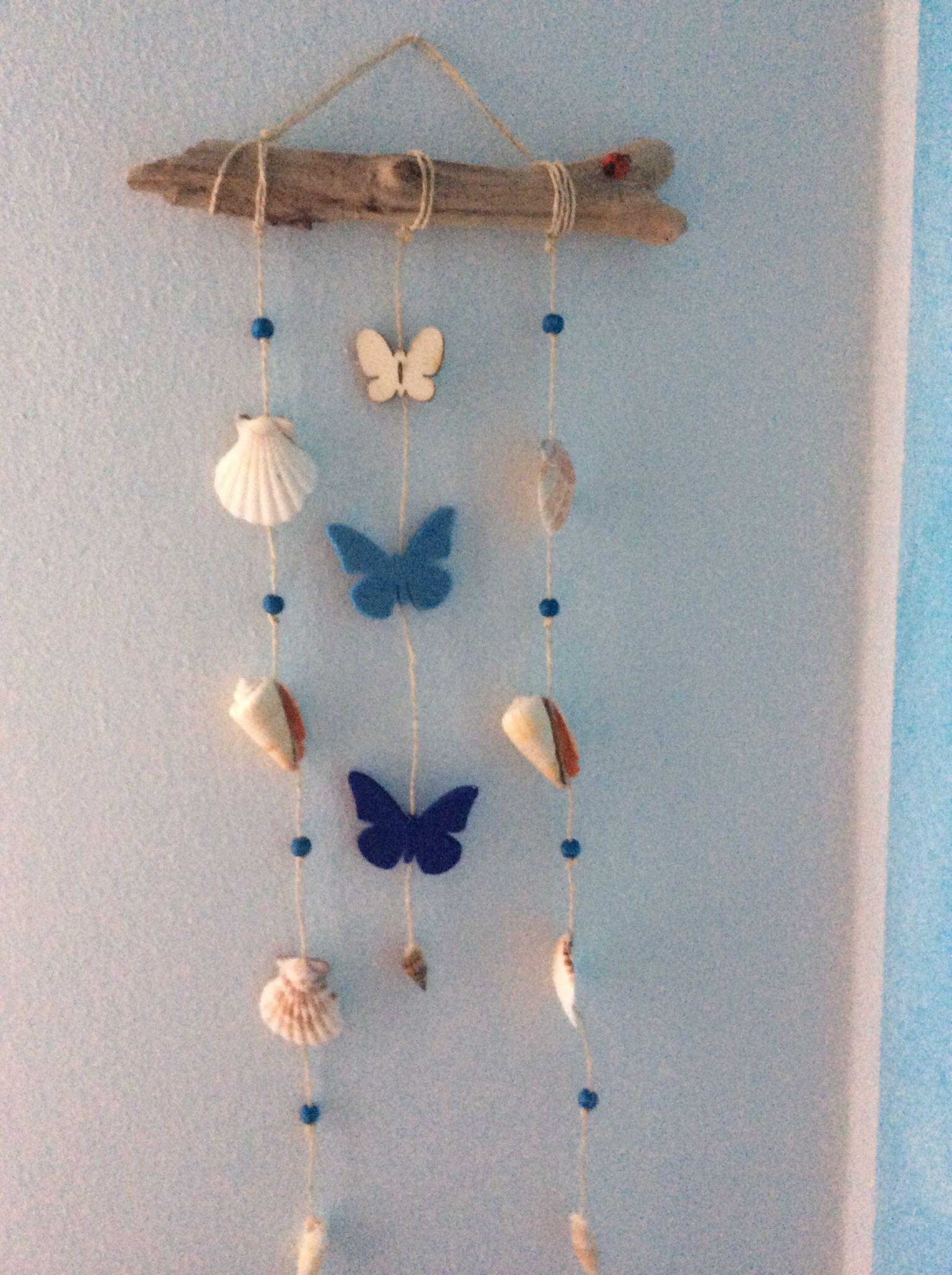 Conchiglie da appendere con farfalle in feltro