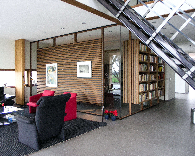 Prachtige woonkamer. Veel belichting en genoeg ruimte om je te ...