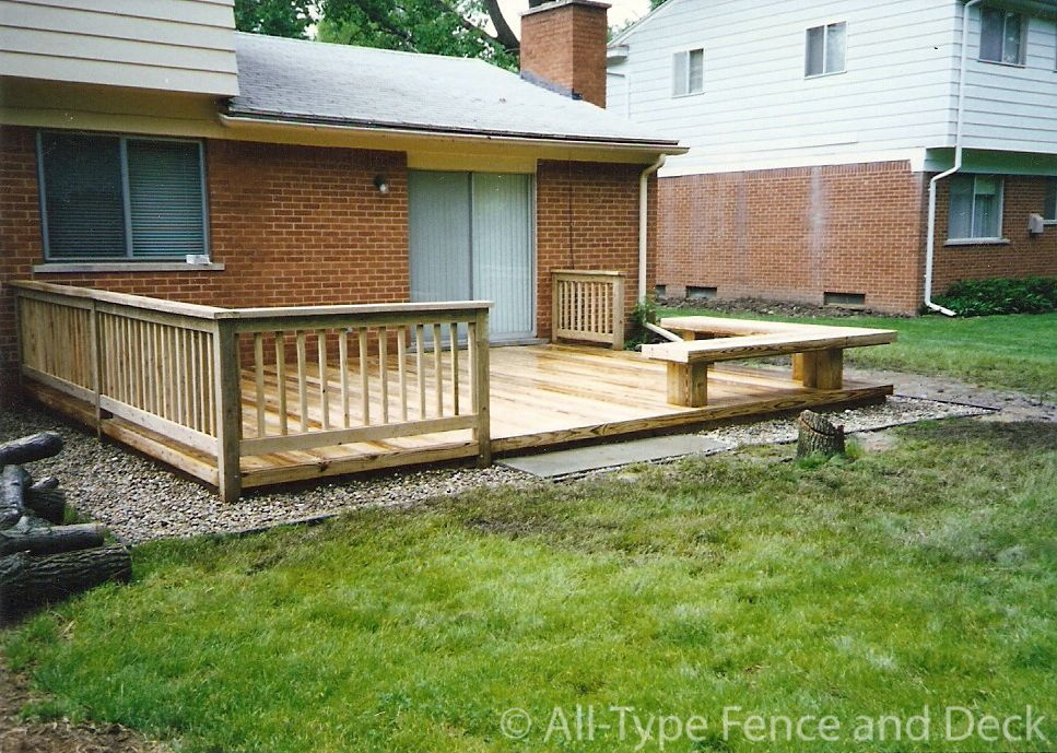 Deck bench deck building instructions multi level deck for Small deck seating ideas
