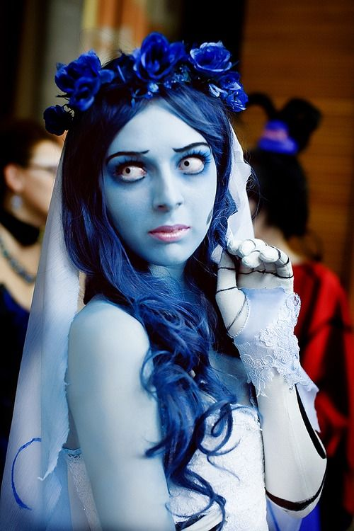 Corpse Bride Costume   It would take a lot of prep work but would be worth it :)