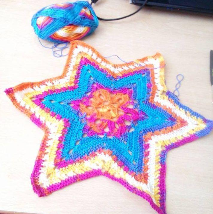 Stern häkeln Die letzten 2 tage war ich mit Sterne häkeln ...