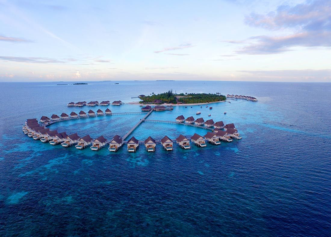 Resort Day Trips Dhangethi Island Is Surrounded By 14 Luxury Resorts And You Will Be Taken To One Of The Preferred Island Resort Maldives Water Villa Resort