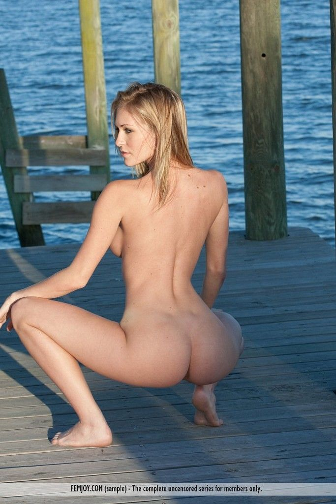 Sexy Naked Women At The Beach