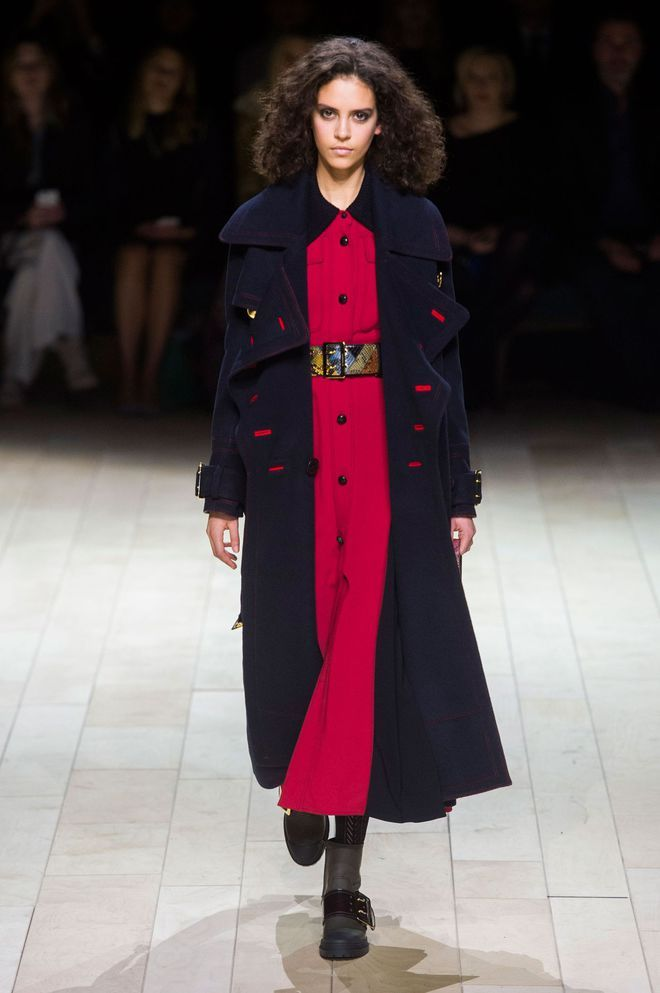 12 tendances couleurs automne hiver 2016 2017 fashion weeks photos et burberry - Couleur tendance automne 2017 ...