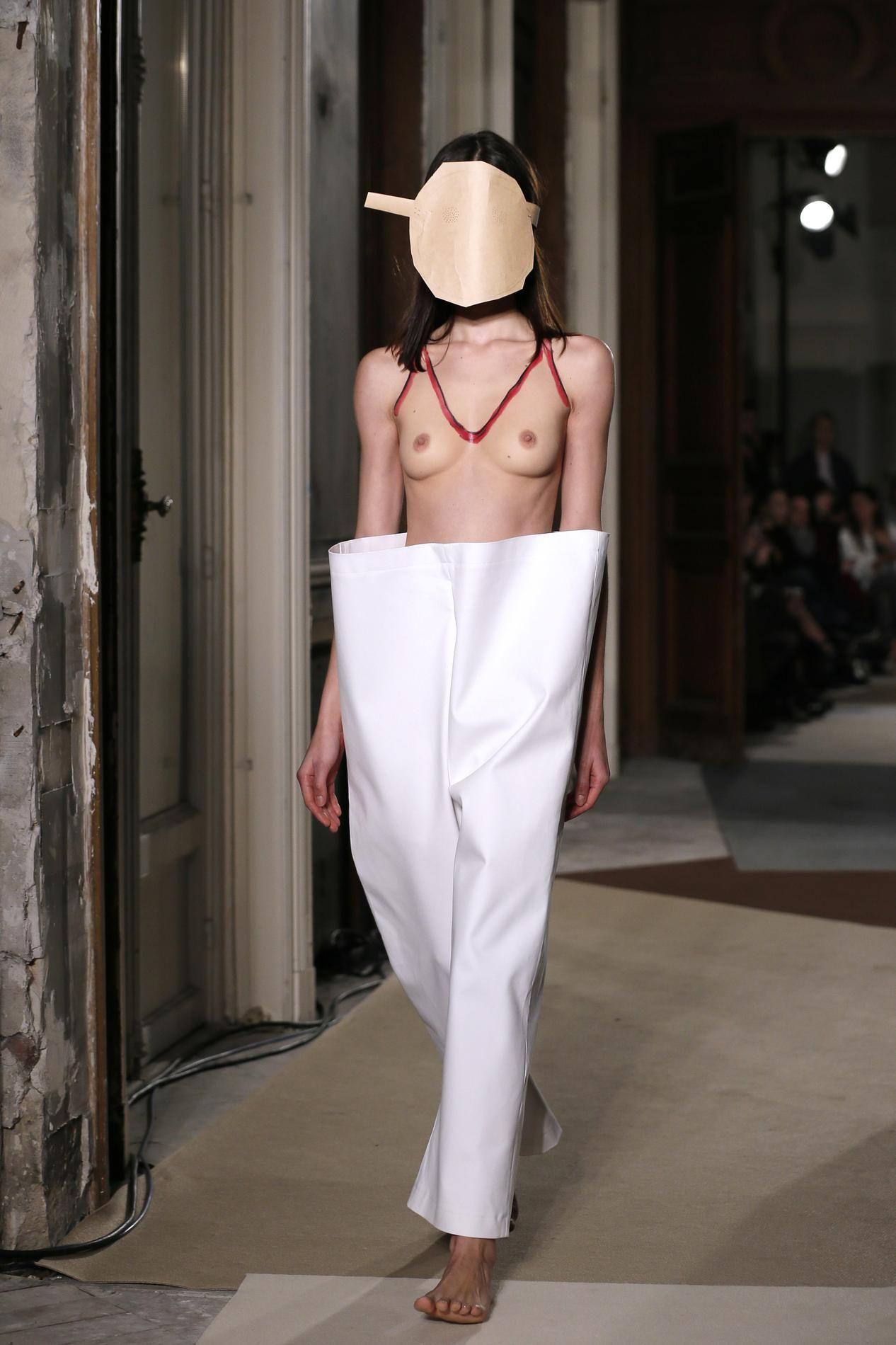 A t on le droit de se balader seins nus ? Madame Figaro