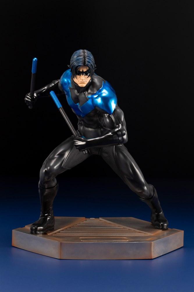 DC Comics Collectible Nightwing sculpté Action Figure