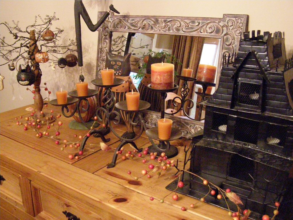 Halloween Decorations - Decorating For Halloween