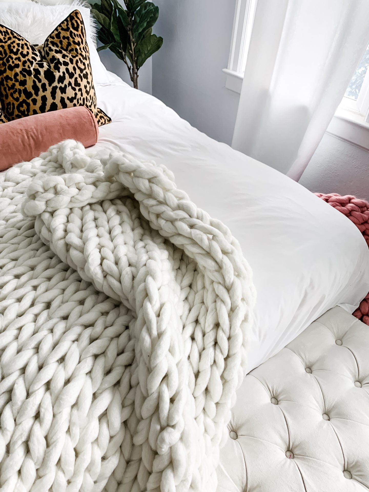 Diy arm knit blanket for 12 in 45 minutes topknots and