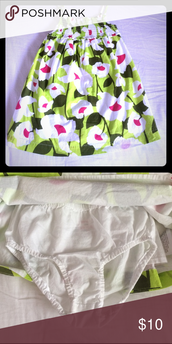 🌸NWOT Old Navy Summer Dress🌸 Adorable & soft floral print, lime green dress with panty or diaper cover. NWOT! Size 2T. Smoke FREE home as always! 💕 PRICE IS FIRM UNLESS BUNDLED Old Navy Dresses