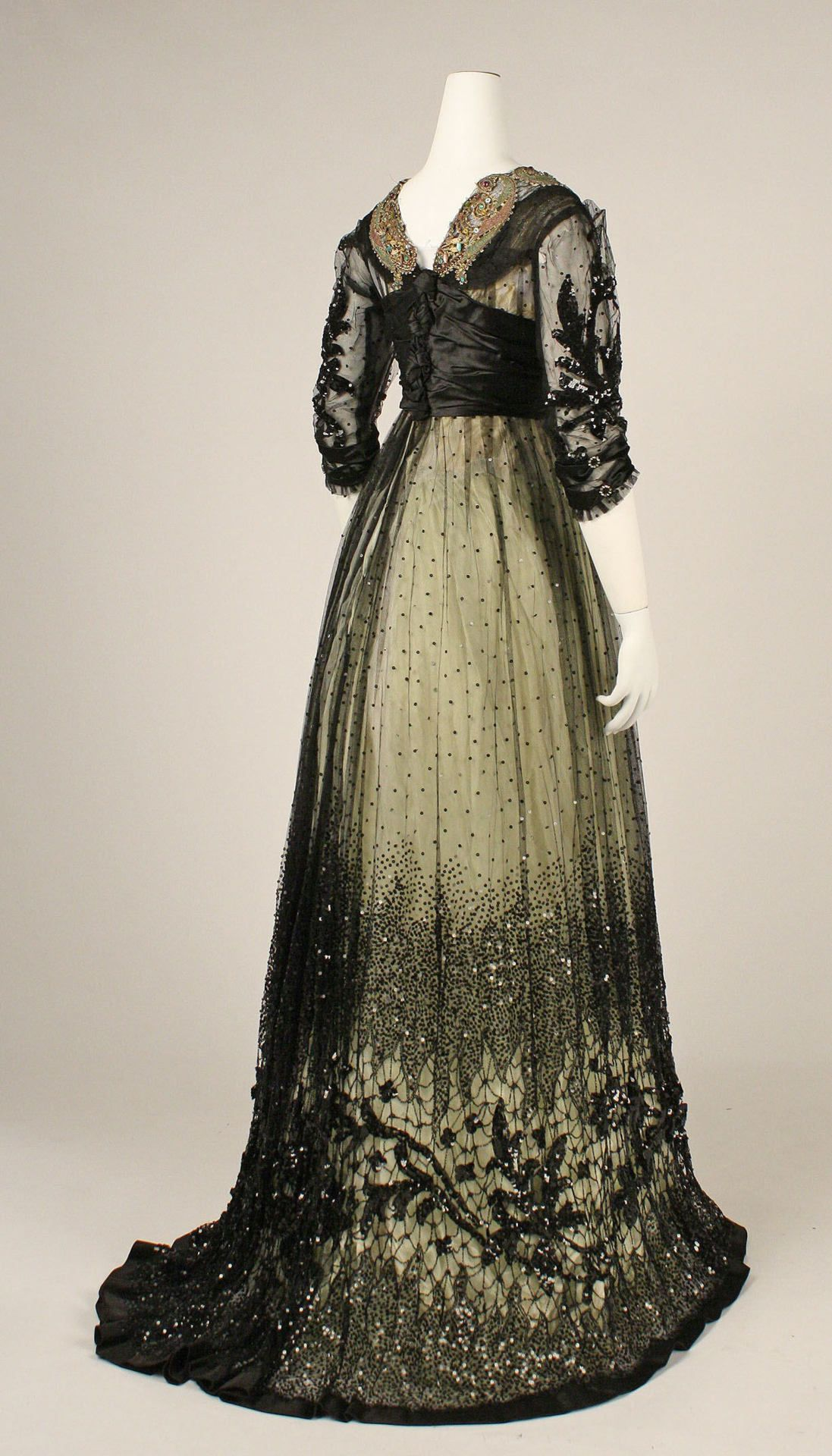 Ball Gown Dresses in 1908