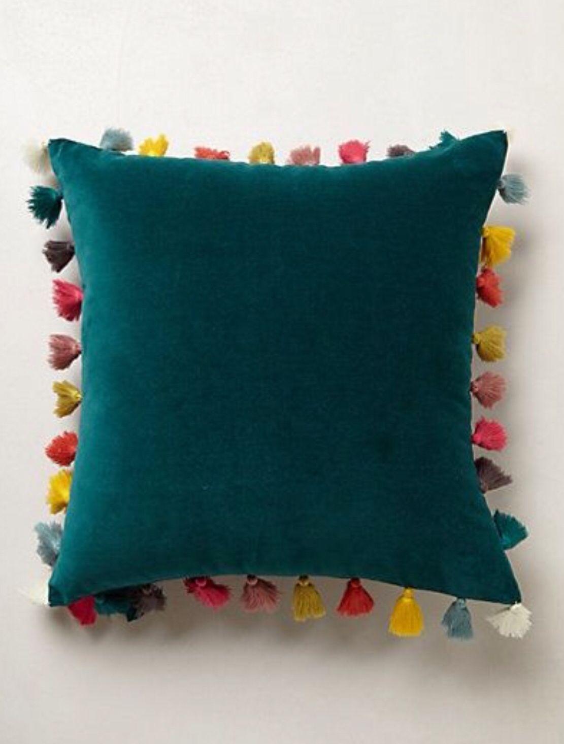BOHO Style almofada pompom verde noite