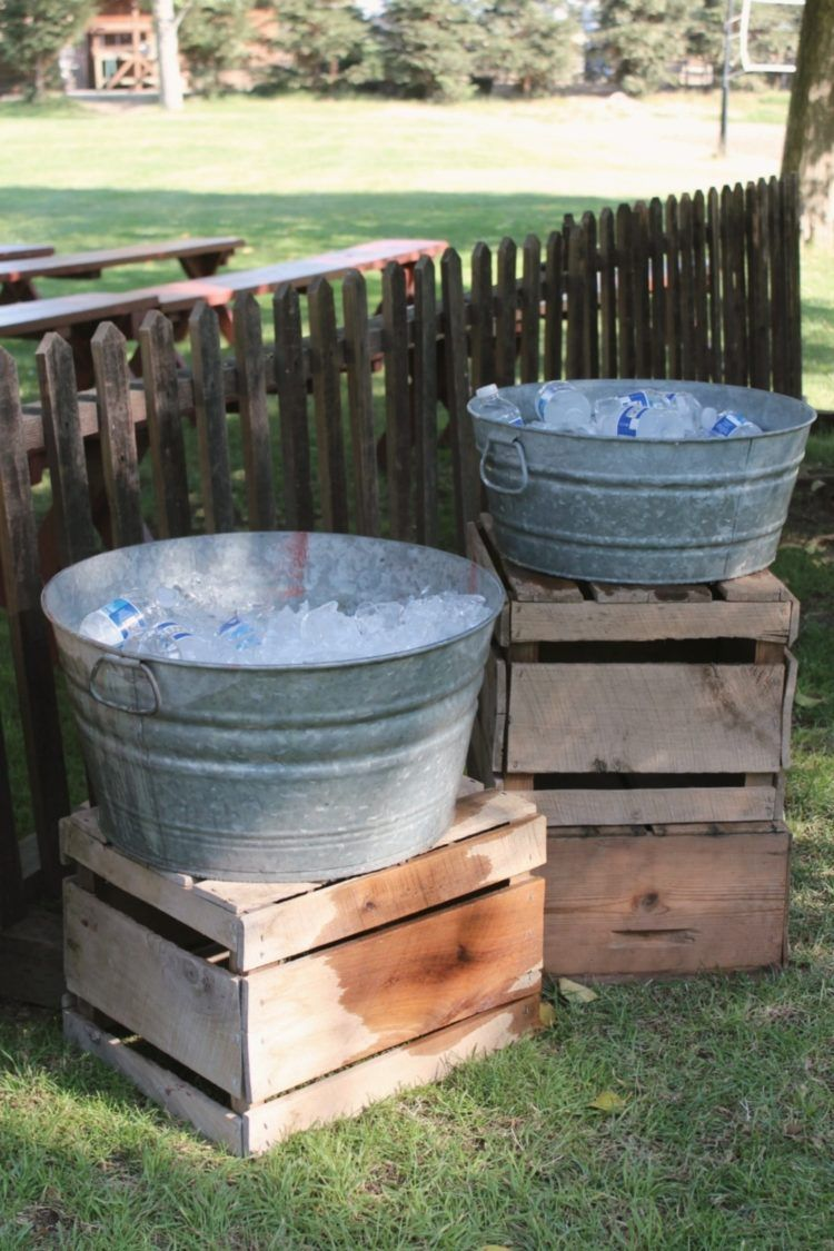 Galvanized Tub Are Popular They Are Readily Available In Several Sizes And Shapes Along With Old Or Brand New They Can Incl Galvanized Tub Metal Wash Tub Tub