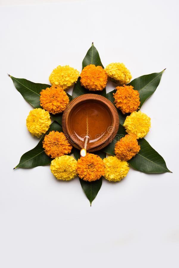Flower Rangoli For Diwali Or Pongal Or Onam Made Using Marigold Or Zendu Flowers Spons Flower Decorations Diy Diy Diwali Decorations Diwali Decoration Items