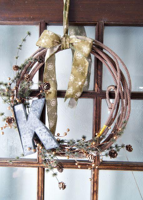 Simple & trendy Winter wreath!