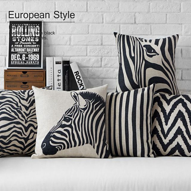 Moderne noir blanc zebra oreiller creative l opard for Canape zebre