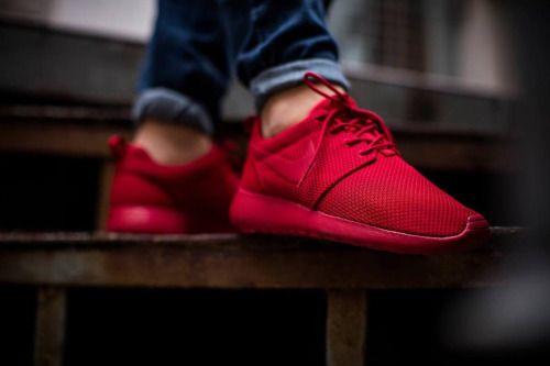 wholesale dealer 4920e c5f91 NIKE ROSHE ONE Varsity Red (via Kicks-daily.com) | Fashion ...