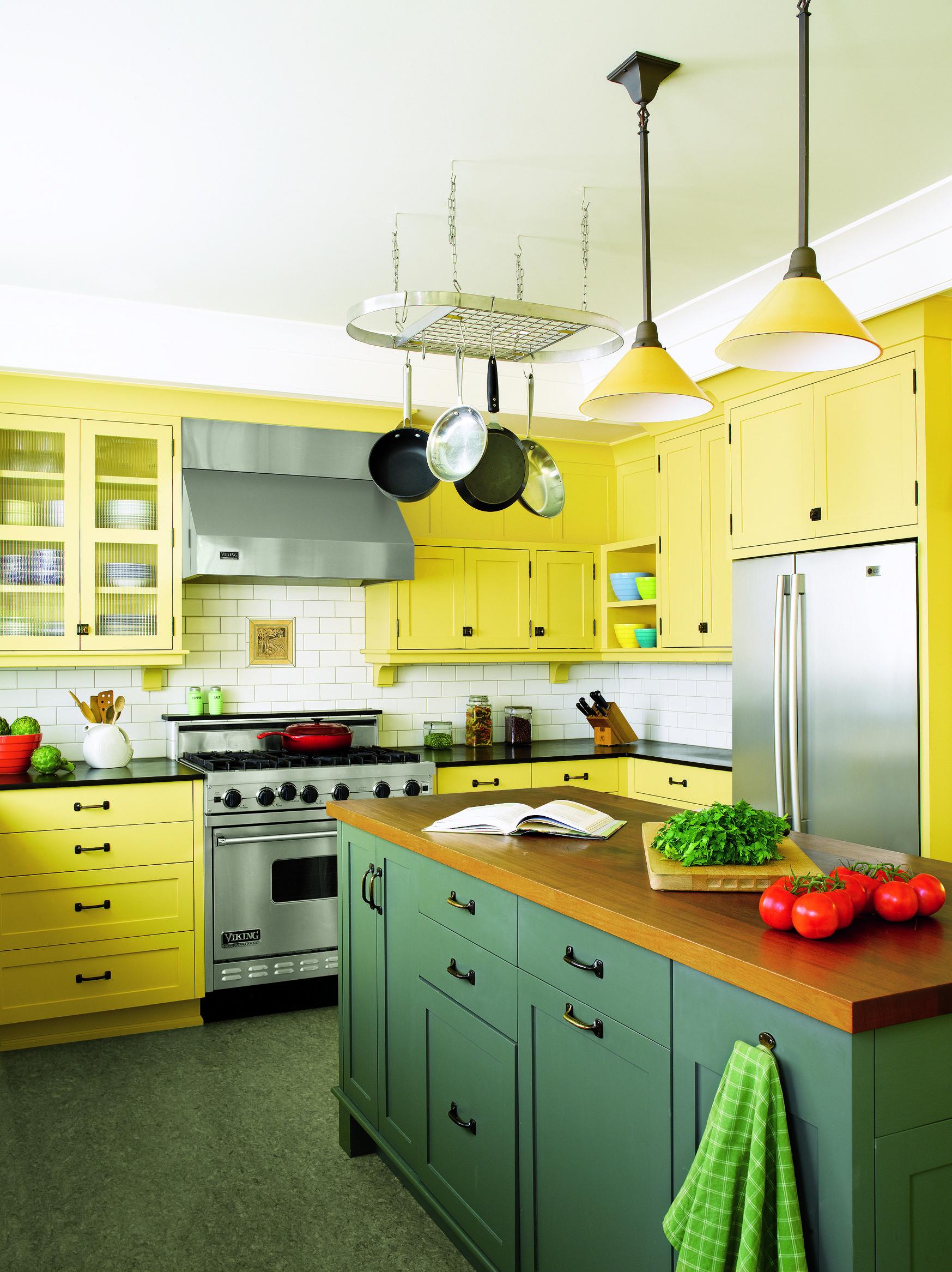 марта покраска кухни краской варианты фото цвет лимонный спортсменки лежат