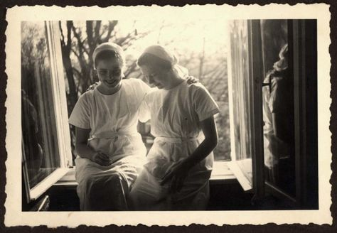 Germany, A photo of two women, Gerda Scholl and Elsbeth Zake, room-mates in a hospital.