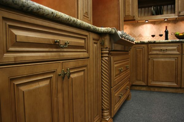 Glazed Toffee Cabinet Details | Maple kitchen cabinets ...