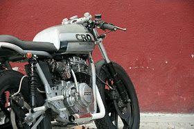 Inazuma café racer: CRO Sanglas 400