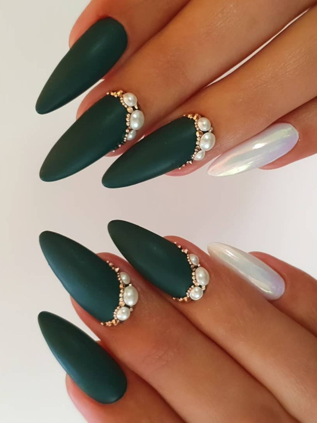 Dark Green Nails Ideas To Consider For 2020 Stylish Belles In 2020 Dark Green Nails Green Acrylic Nails Green Nail Designs
