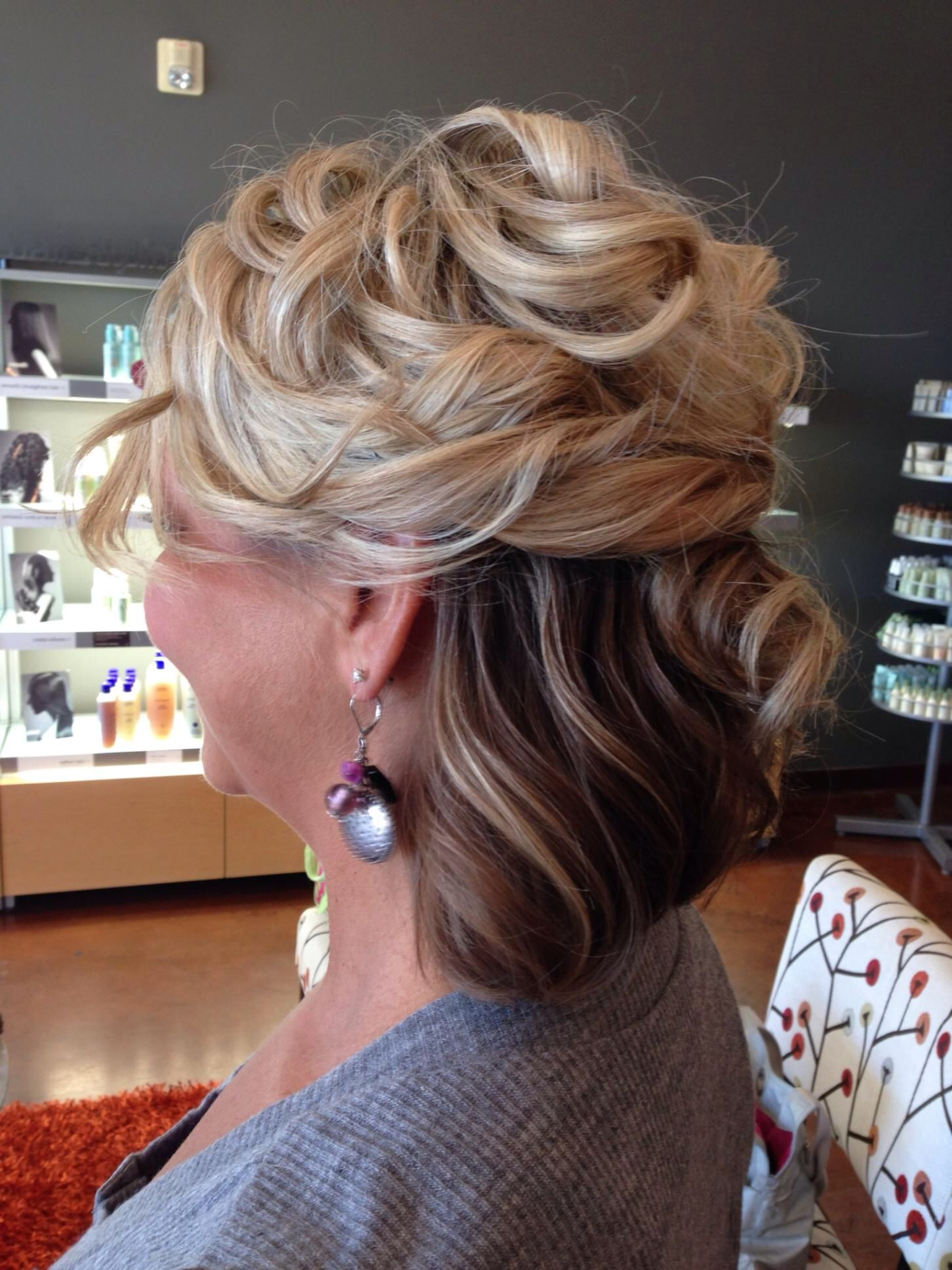 34+ Mother of the bride hairstyles for curly hair inspirations