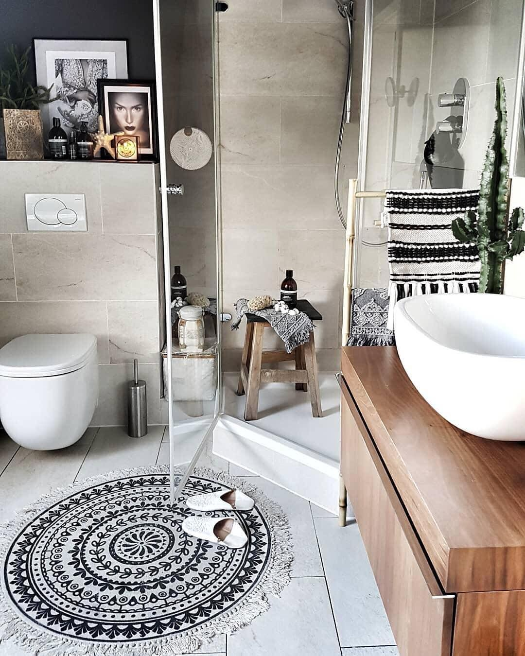 Boho Style Im Badezimmer We Love It Belliwood Boholiving Mywestwingstyle Westwing Inspirationeveryday In 2020 Boho Badezimmer Badezimmer Badvorleger