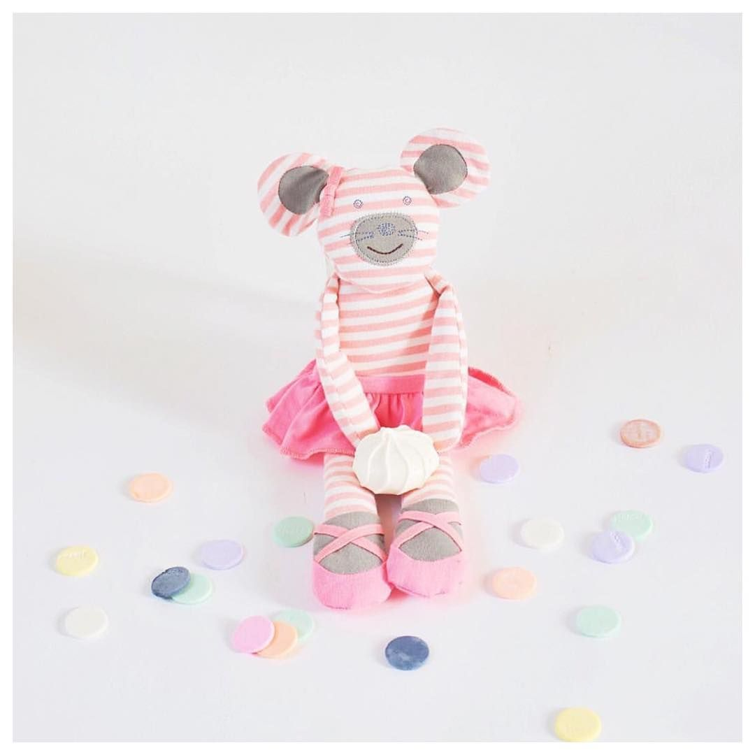 For the tiny dancer in your life, Ballerina Mouse is a gorgeous gift and companion to be! $30  Photo @appleparkkids xo