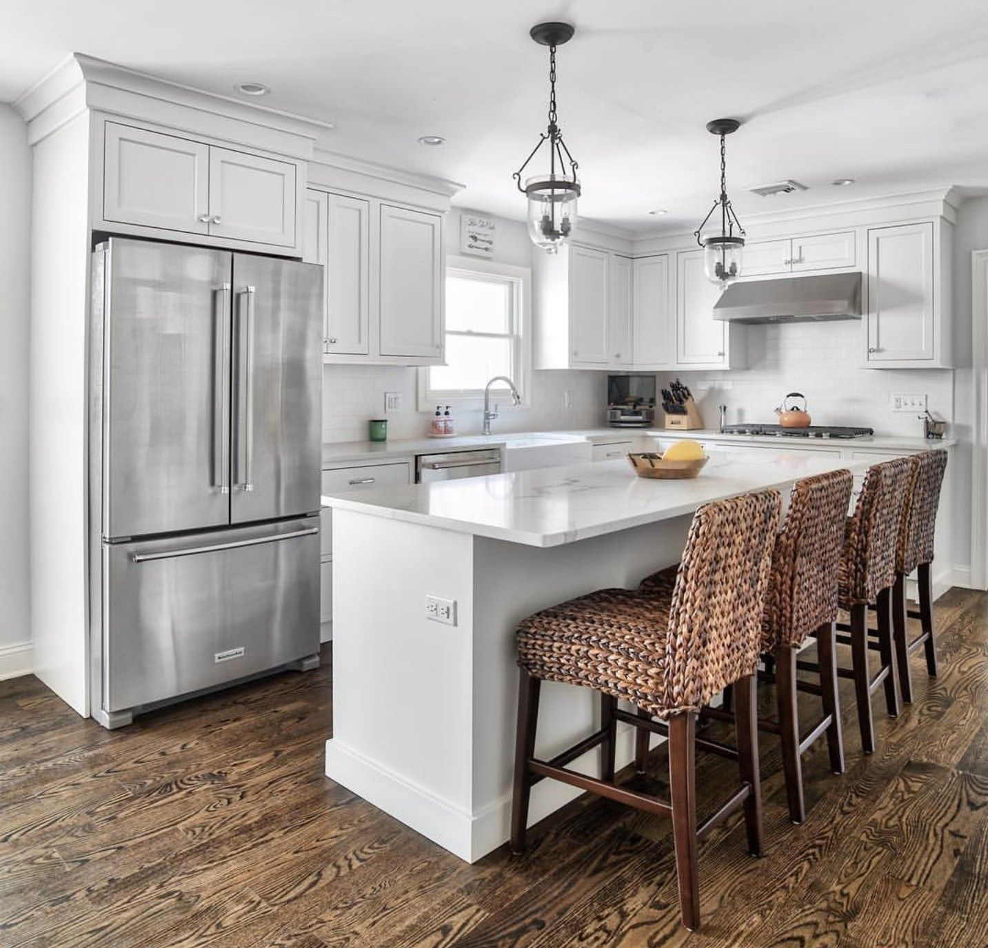 White L shape kitchen with island in 2019 Home decor