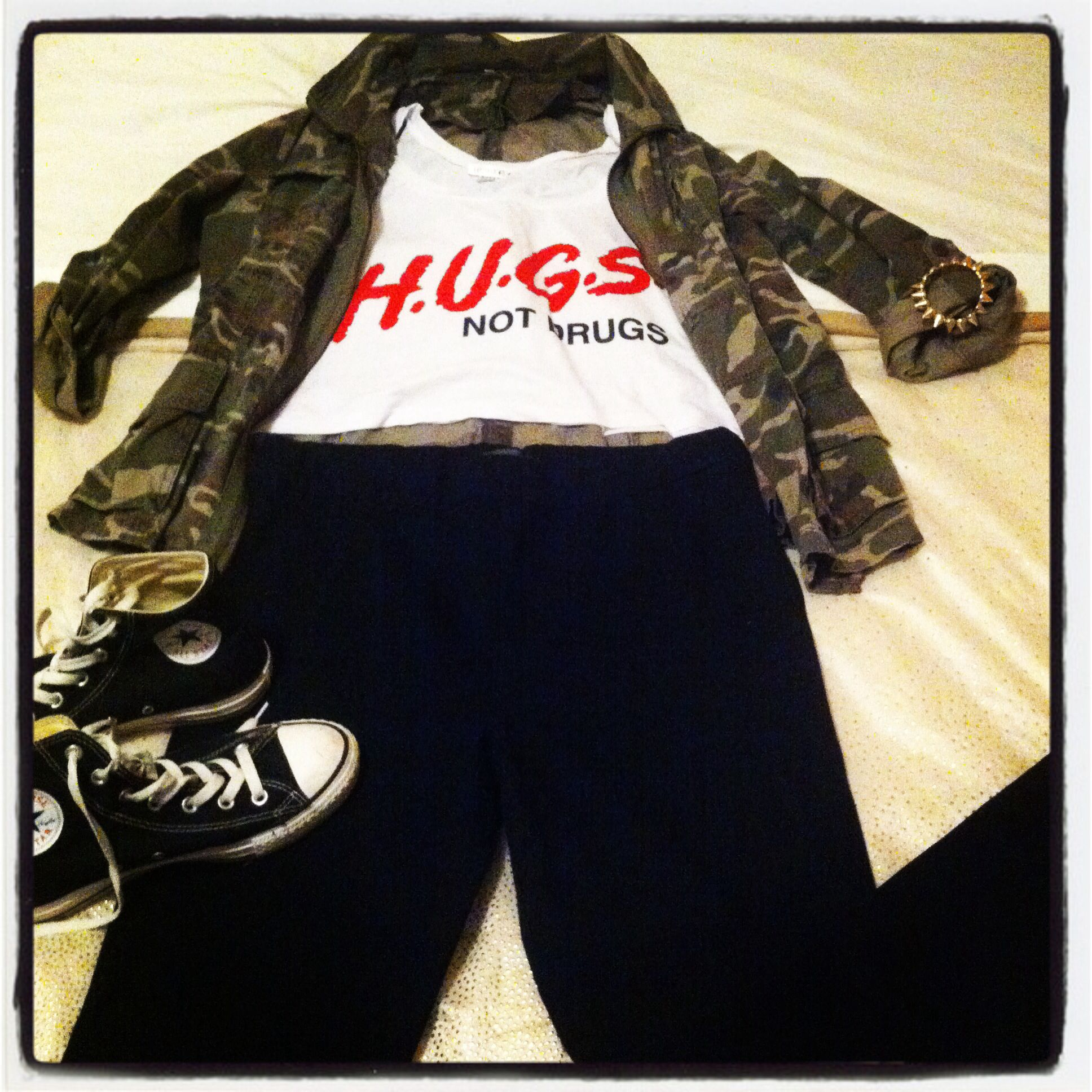 Outfit of the day camo jacket freshtops cropped hugs not drugs