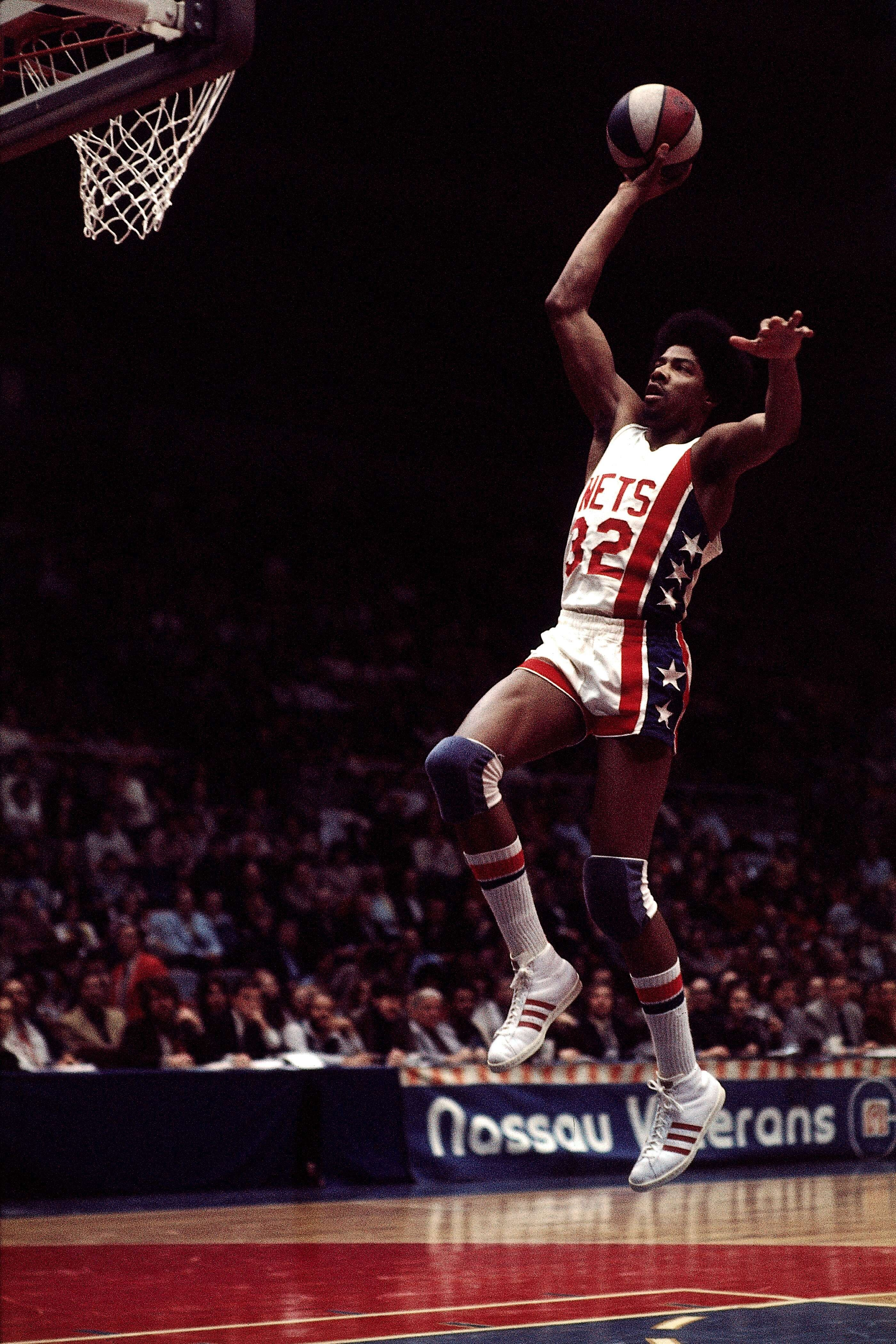 sports shoes 8ca10 dd1ce ... Explore Basketball History, Nba Basketball, and more! Image SEO all 2  Michael jordan dunk, post 22  Top Slam Dunk Contest Trendsetters ...