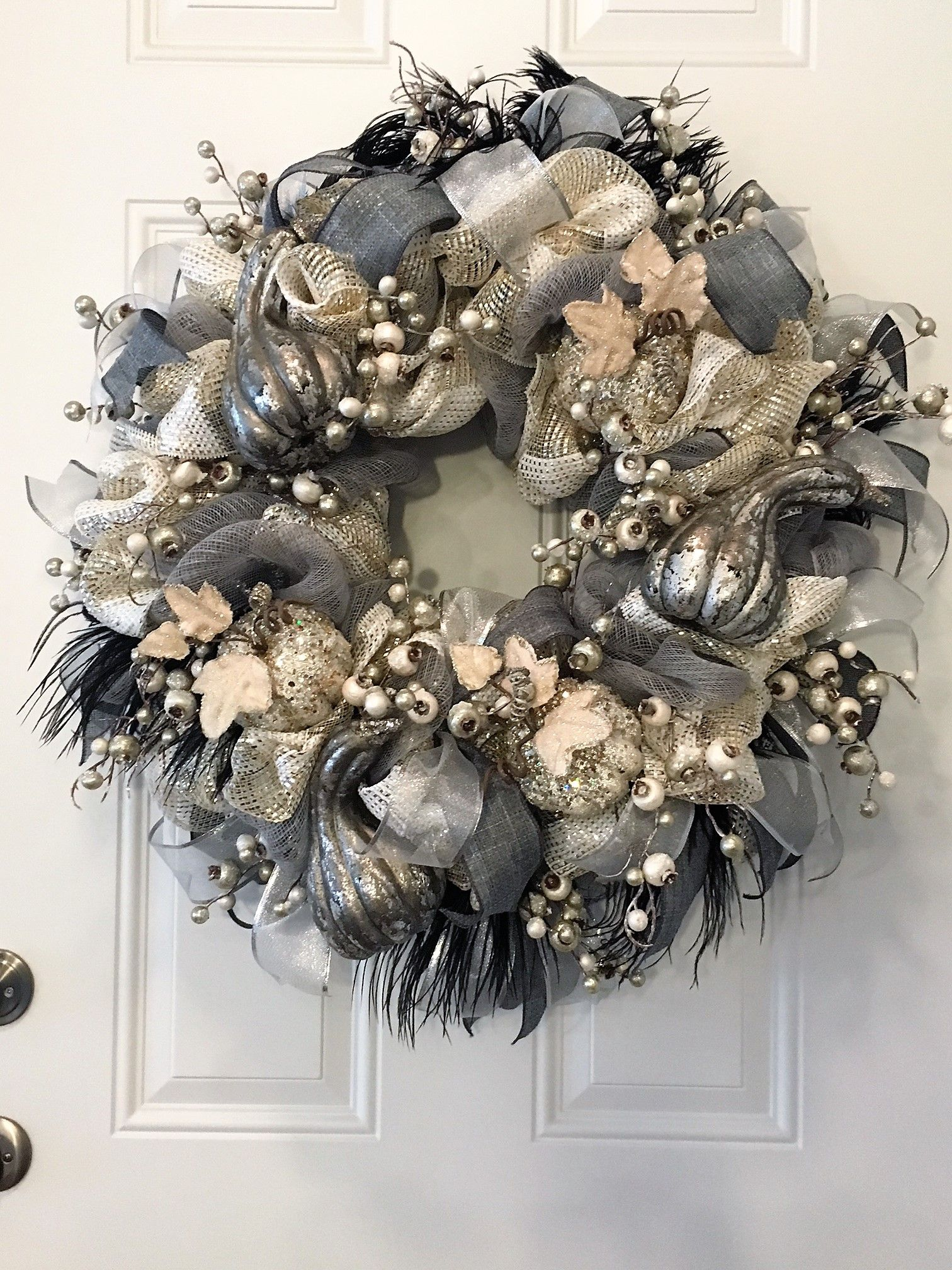 Pin By Debbie Kasper On Wreaths In 2020 Silver Christmas Decorations Christmas Tulle Wreath Christmas Wreaths
