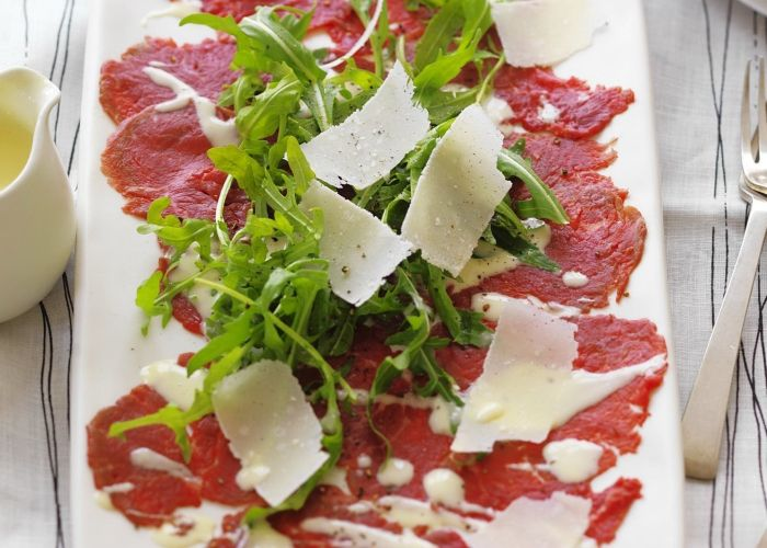Carpaccio in salsa Roquefort