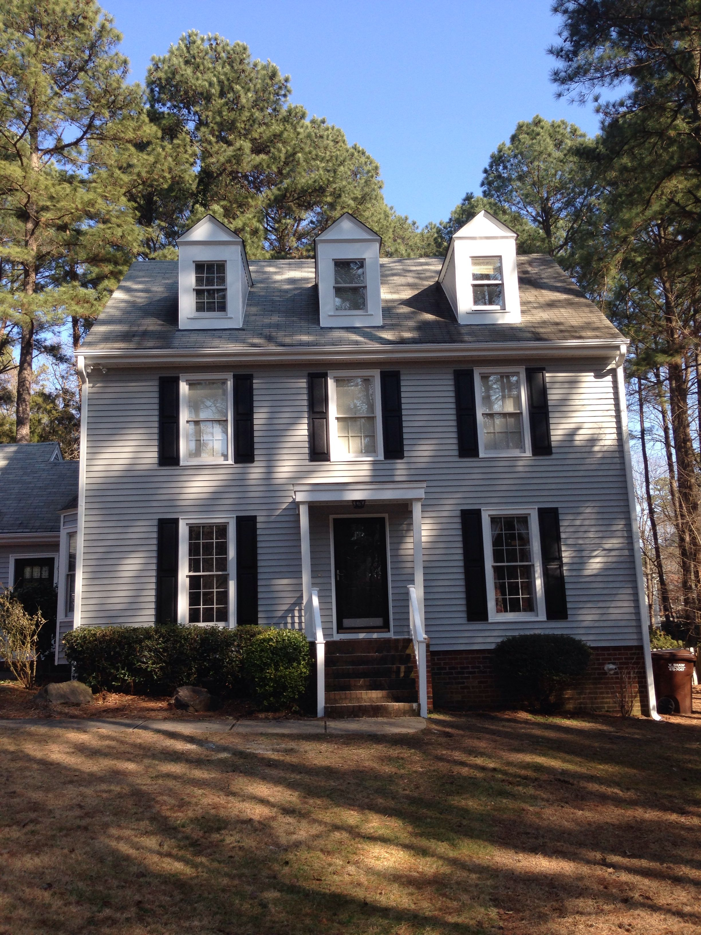 Just Completed An Exterior Makeover On This House In Raleigh Alside Conquest Siding Cape