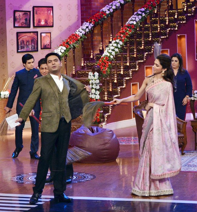 Happy New Year Team On Comedy Nights With Kapil Comedy Nights With Kapil Deepika Padukone Comedy Nights
