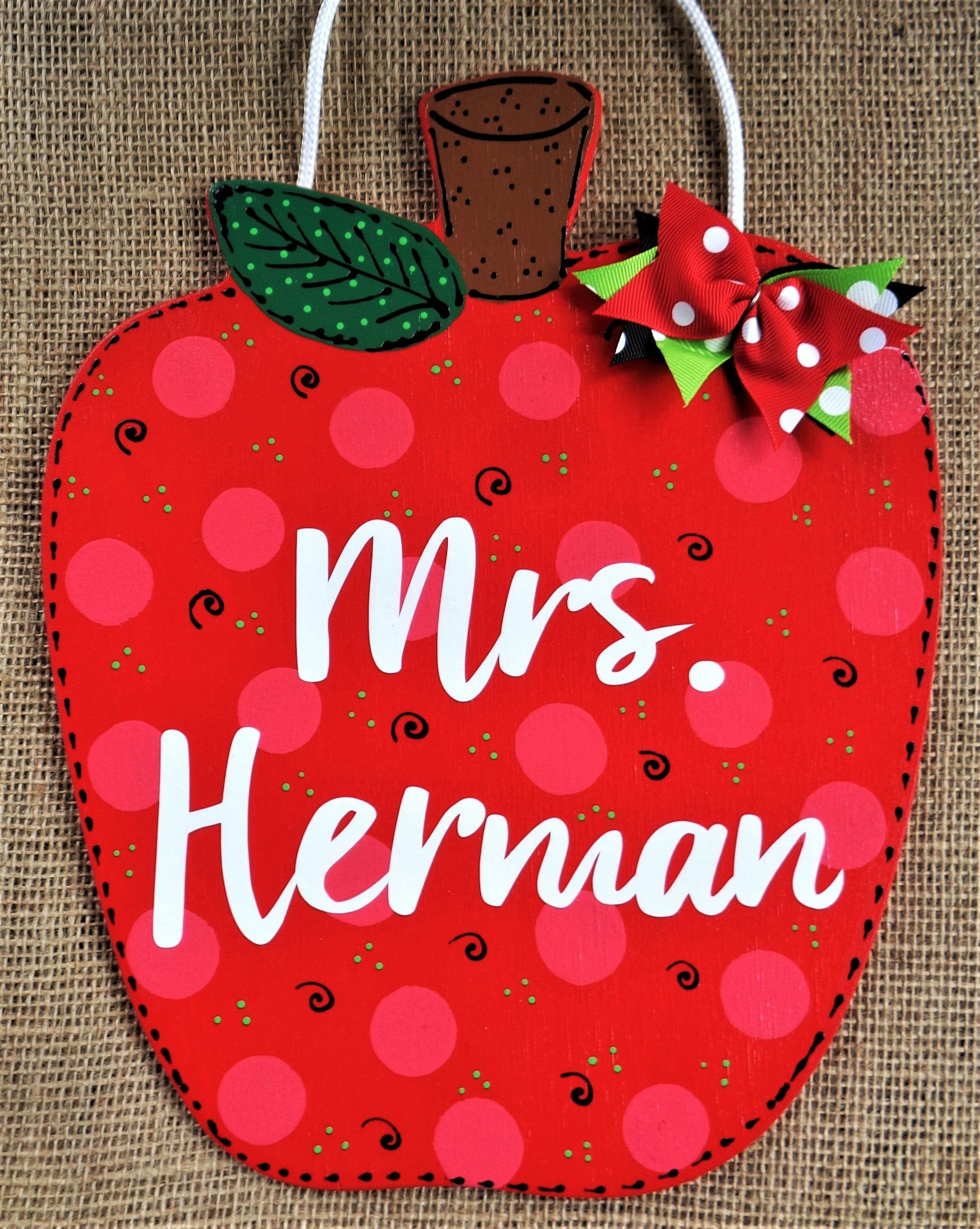 Personalized Apple Teacher Sign Class Classroom Name Room Door Plaque School Decor Country Wood Crafts Handcrafted Hand Painted Wood Wooden In 2020 Country Wood Crafts Hand Painted Wood Crafts