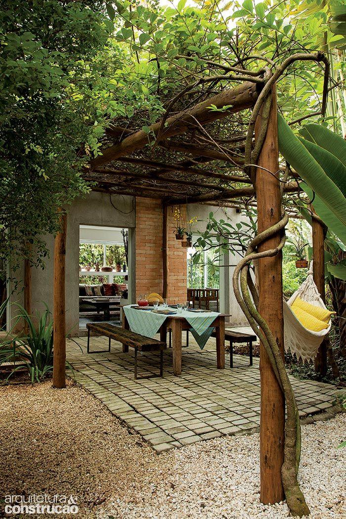P rgola de bambu madeira com e sem plantas e at composta por vasos veja modelos para ter em - Pergolas de bambu ...