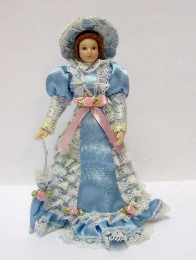 Dame Lady mit Hut elegant blaues Kleid Schirm Puppe