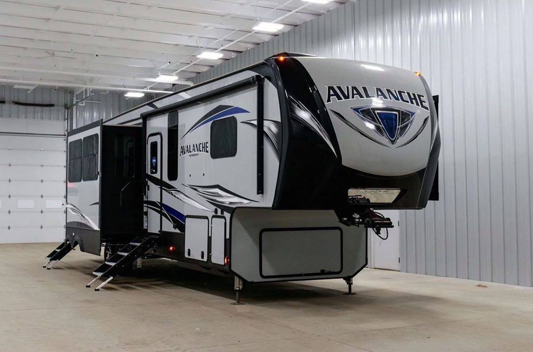 Check Out The 2020 Keystone Avalanche 379bh You Won T Be Able To