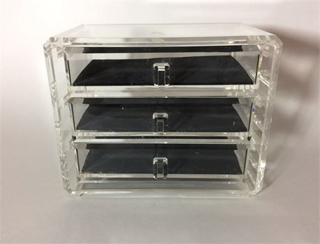 MidCentury lucite jewelry box with 3 slide out drawers It has a few