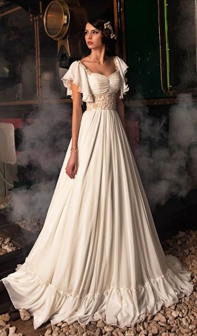Like all but the ruffle on the bottom | formal\costume | Pinterest ...
