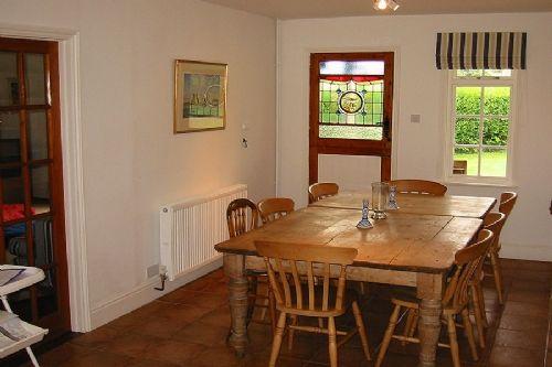 Hippisley Hut, Old Hunstanton, North Norfolk   Dining Room