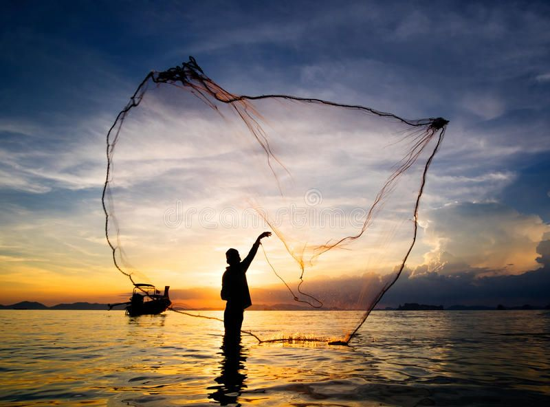 Silhouette Of Fisherman Casting Fishing Net Into The Sea Hunting For Sunset Si Affiliate Fishing Net Casting Sunset Silhouette Silhouette Fisherman