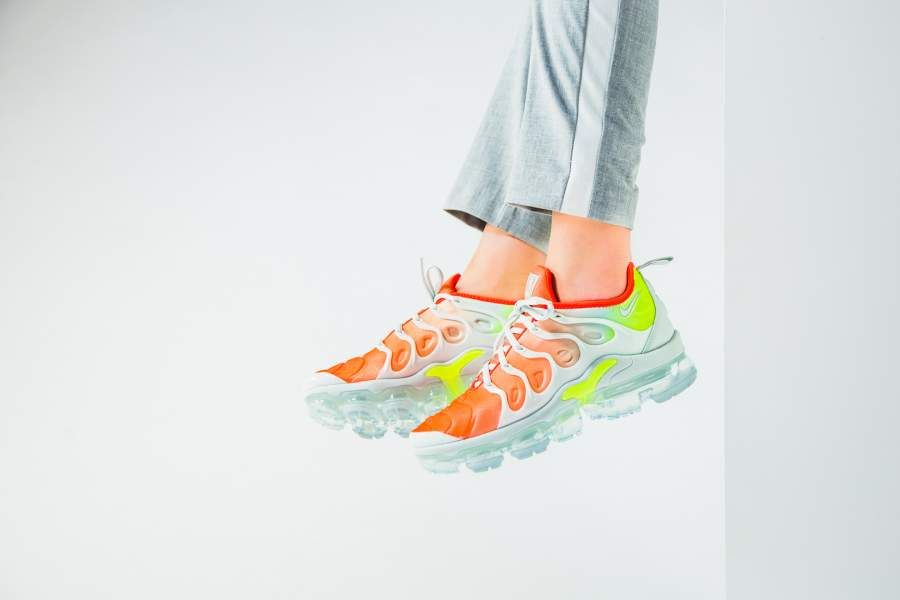 54a357f7a411 Nike - WMNS Air VaporMax Plus Reverse Sunset - AO4550-003   girl ...