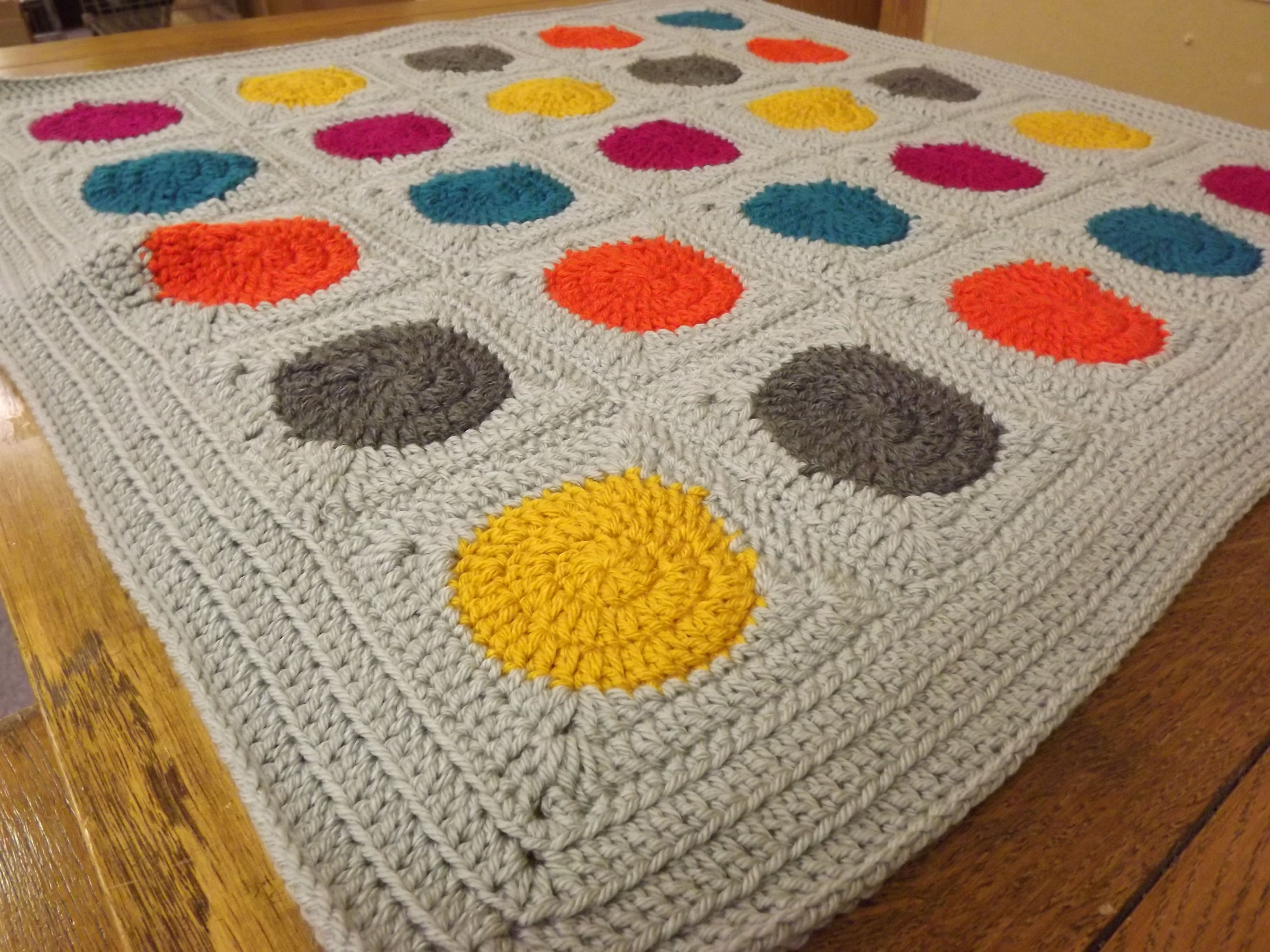 Polka Dot Crocheted Baby Blanket | Häkeln
