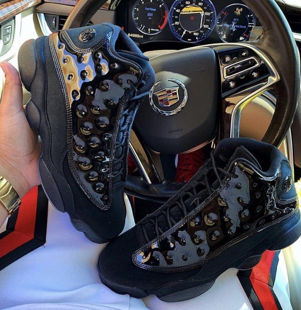 Sneaker plug, Jordan 13, Nike air max